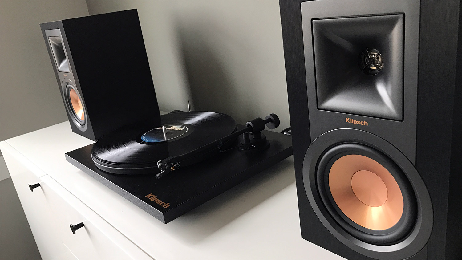 REVIEW: Klipsch R-15PM Turntable Pack - At Home in the Future