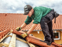 4 Reasons to Become a Roofing Contractor