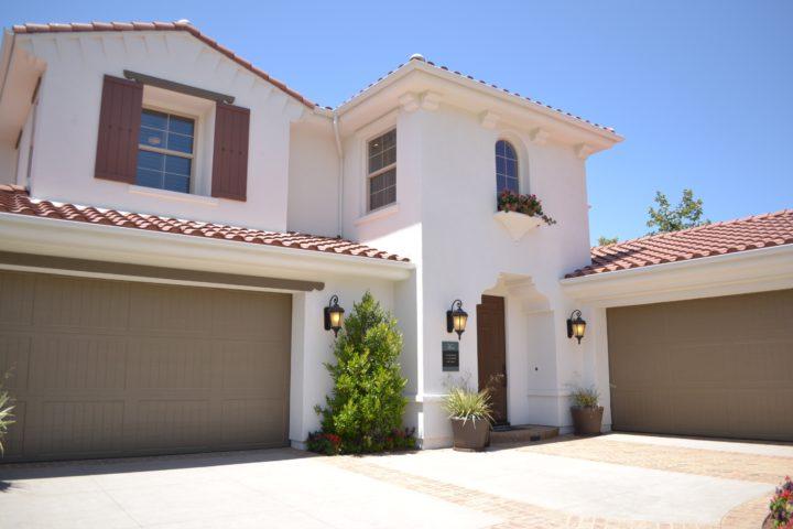 What Should I Look For When Buying a Garage Door?