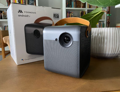 REVIEW: Is the WEMAX Dice the BEST Portable Projector?