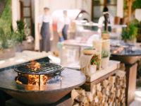 4 Lighting Tips For Your Backyard Kitchen