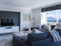 Spruce Up Your Living Room With These Decorating Tips