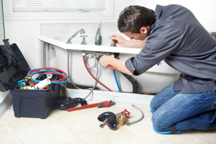 Factors That Determine Average Plumbing Costs